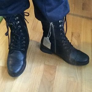*NEW In Box Diesel Women's Give Ankle Boot 7.5